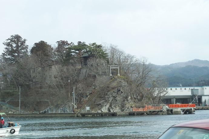 神社の多くは津波を免れており、.過去から今回の震災も含め「安全な場所」を教えてくれているようだ。